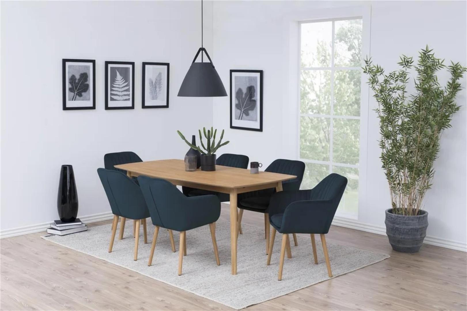 Krzesła tapicerowane – praktyczne, stylowe i niezastąpione